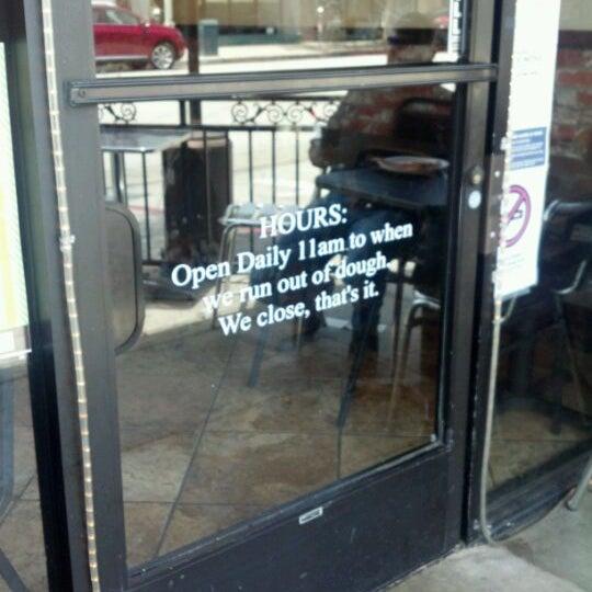 Foto scattata a La Rocco's Pizzeria da Jack R. il 5/24/2012