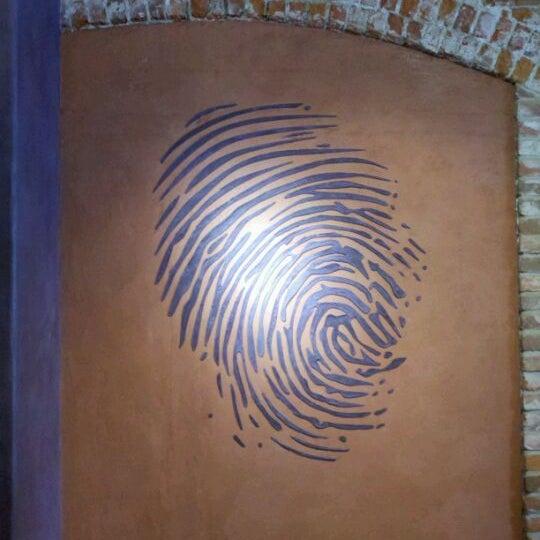 3/2/2012 tarihinde Ken W.ziyaretçi tarafından Thumbprint Cellars Tasting Room & Art Gallery'de çekilen fotoğraf