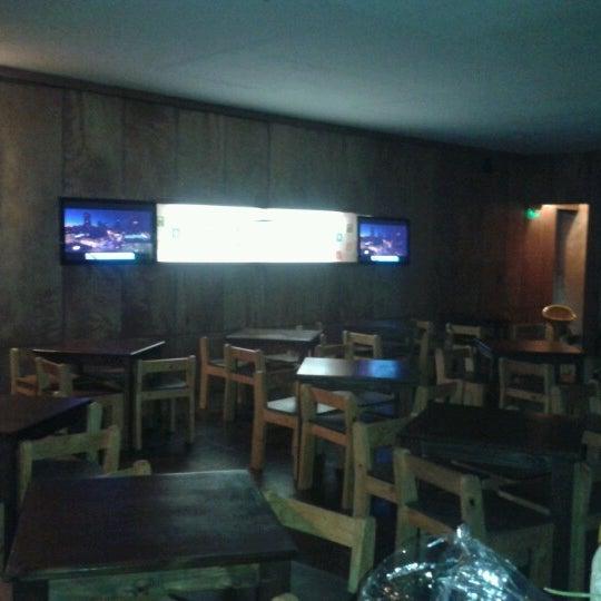 Foto diambil di Arica Restobar oleh Arica R. pada 8/15/2012