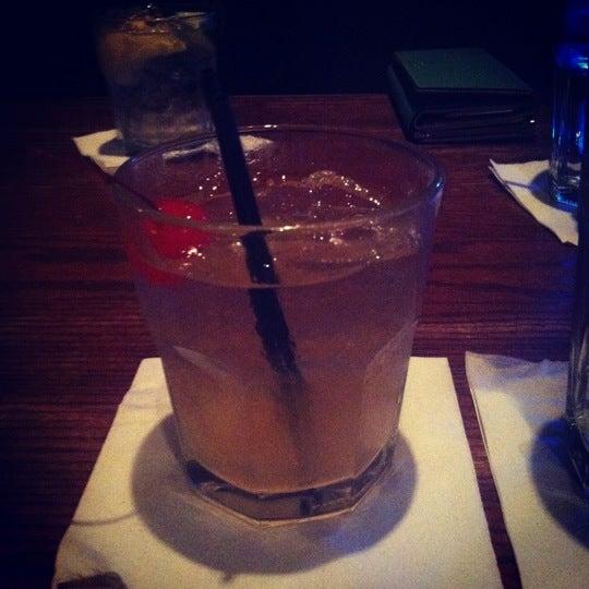 5/20/2012にChenise T.がCool River Cafeで撮った写真