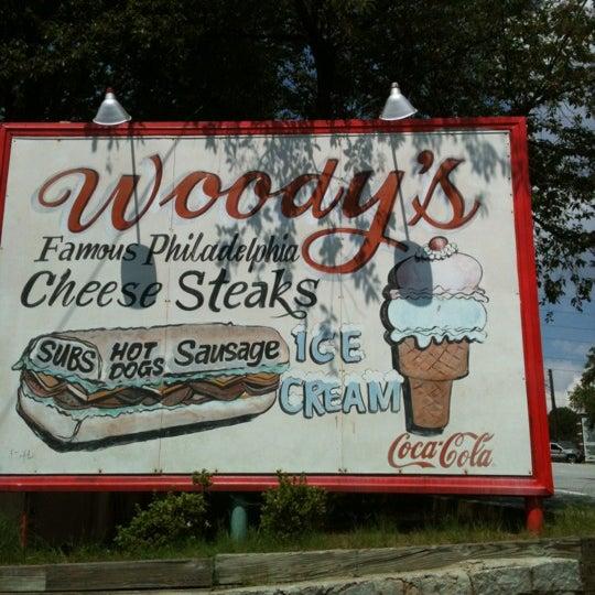Foto scattata a Woody's Famous CheeseSteaks da LaToya il 6/21/2012
