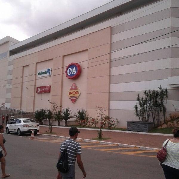 3/13/2013 tarihinde Danilo S.ziyaretçi tarafından Goiânia Shopping'de çekilen fotoğraf