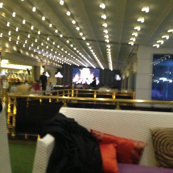 3/20/2013 tarihinde Muhammed A.ziyaretçi tarafından Palace Cafe Restaurant & Bowling'de çekilen fotoğraf