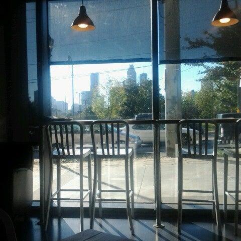 10/20/2012にWayne K.がCondesa Coffeeで撮った写真