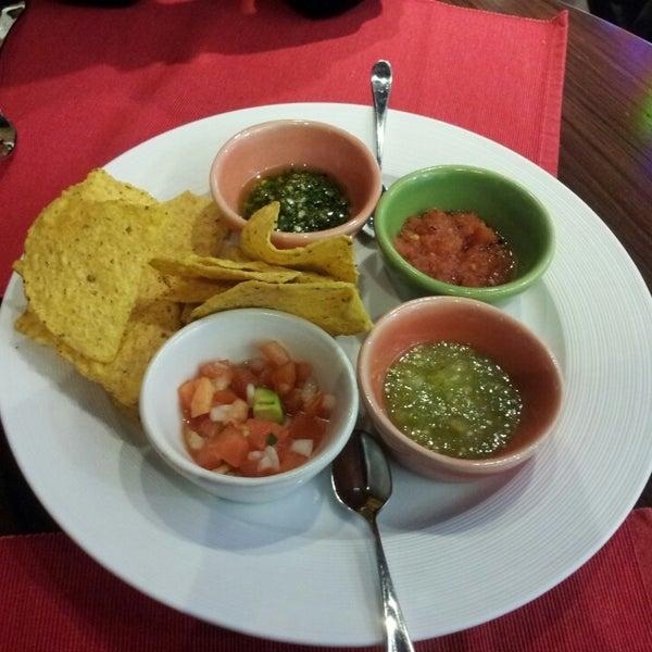 3/16/2013에 Маша А.님이 Mexican Club에서 찍은 사진