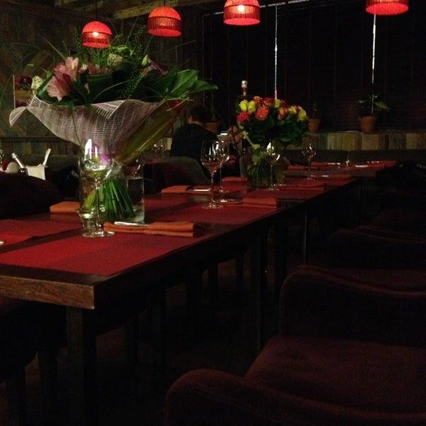 รูปภาพถ่ายที่ Shishas Sferum Bar โดย Tatiana F. เมื่อ 9/13/2013