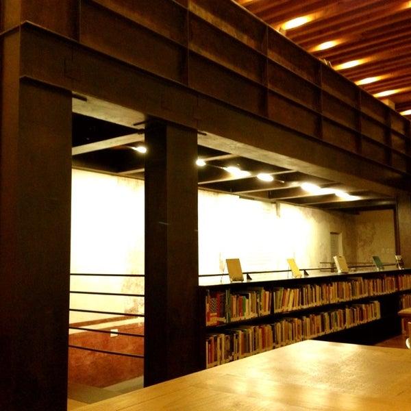 4/6/2013에 Carlos P.님이 Profética - Casa de la Lectura에서 찍은 사진
