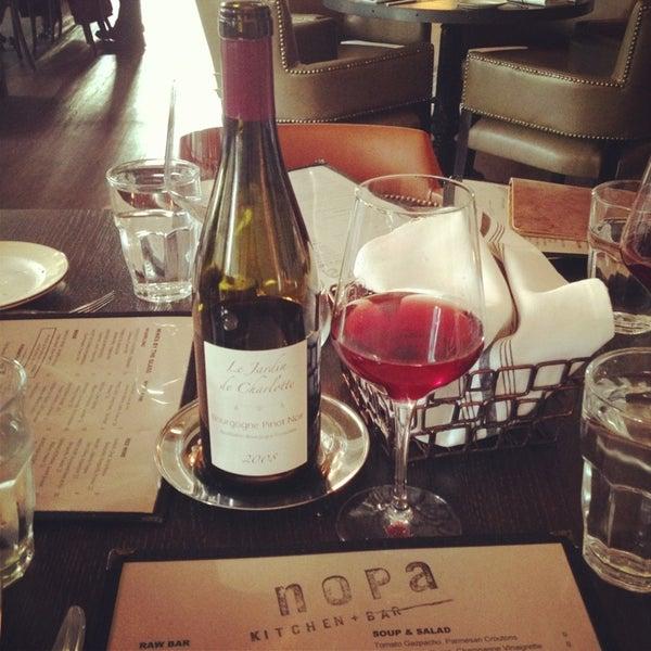 Photo prise au NoPa Kitchen + Bar par Selva R. le7/24/2013