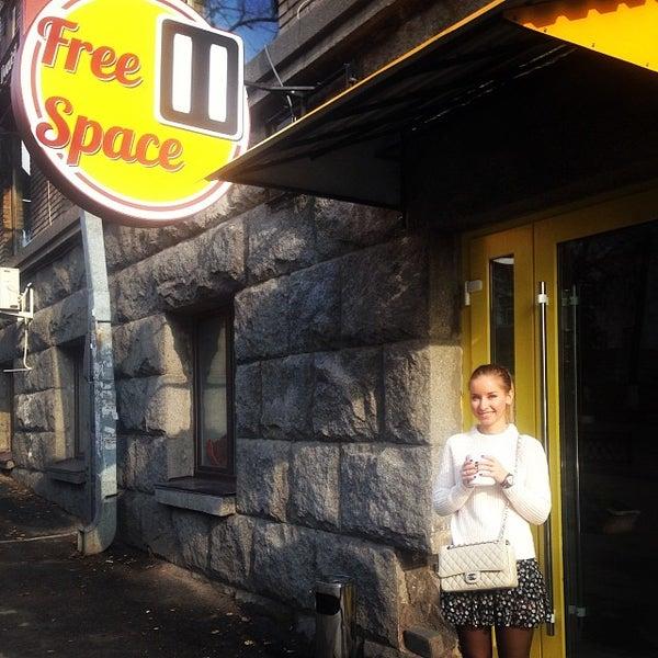 Foto scattata a FreeSpace Pause da Yana V. il 10/27/2013