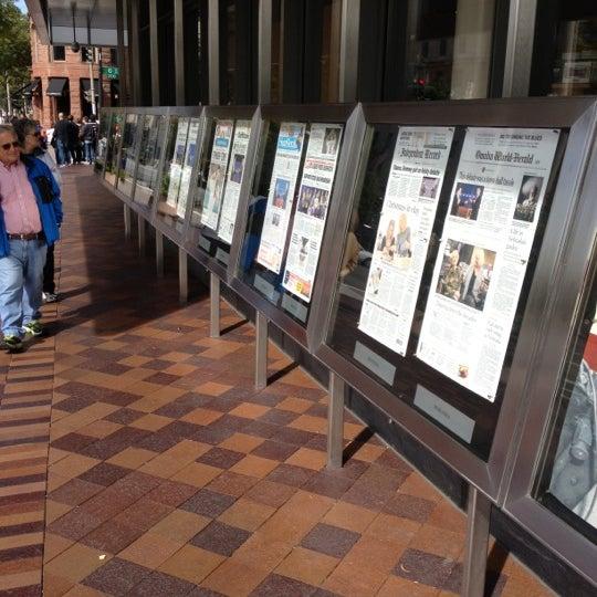 Foto scattata a Newseum da Mattias L. il 10/17/2012