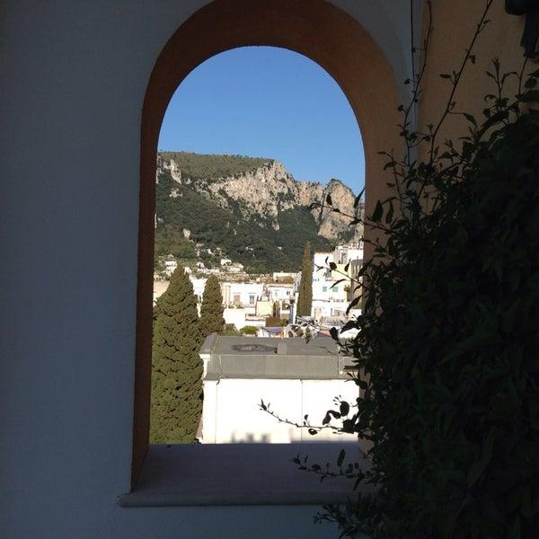 Снимок сделан в Capri Tiberio Palace пользователем Enza R. 4/16/2014