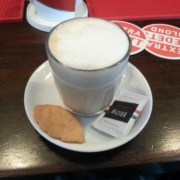 Photo prise au Café De Magere Brug par Fernando F. le8/17/2013