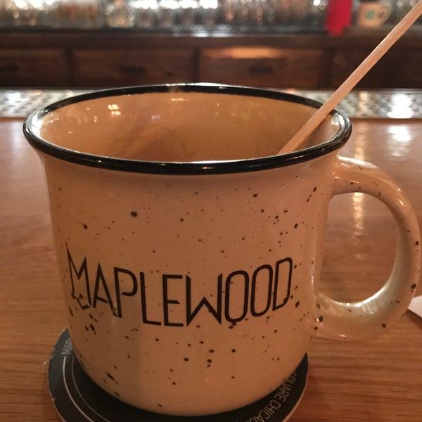 Foto tirada no(a) Maplewood Brewery & Distillery por Drew T. em 3/27/2018