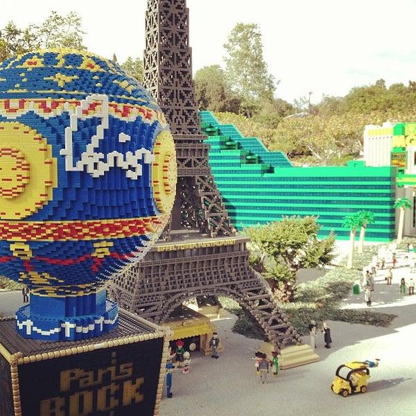 Foto tirada no(a) Legoland California por Nathan H. em 4/15/2013