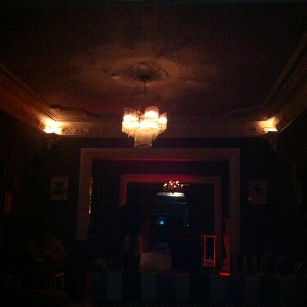 Das Foto wurde bei Club Saltillo 39 von Ivannia F. am 1/6/2013 aufgenommen