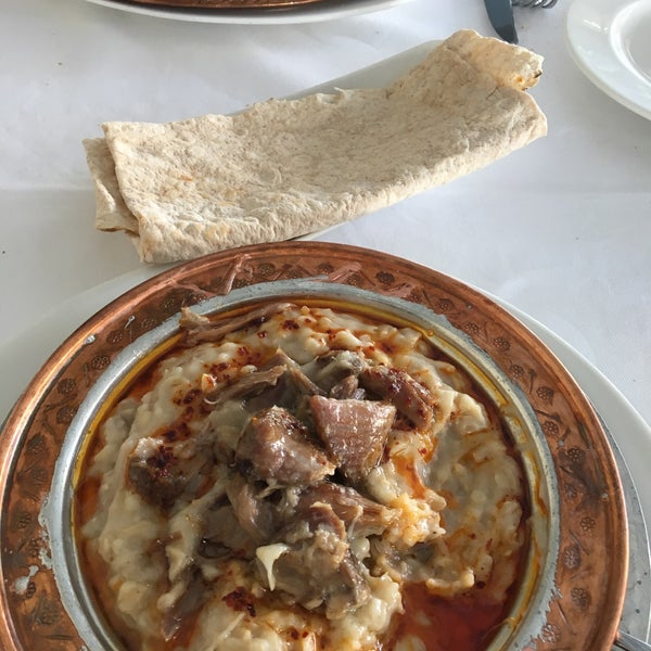 Das Foto wurde bei Seraf Restaurant von Funda am 9/3/2019 aufgenommen