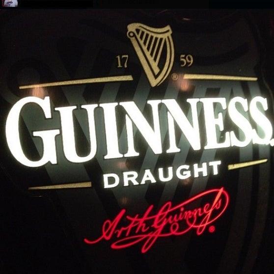 Foto diambil di All Black Irish Pub oleh All Black Irish Pub pada 3/28/2014