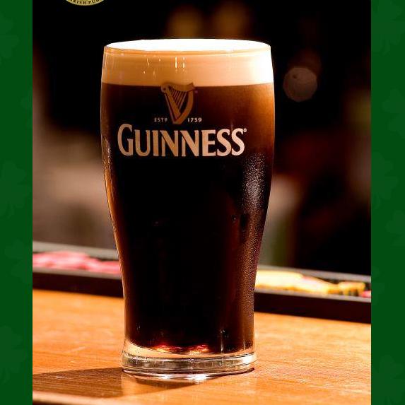 Foto diambil di All Black Irish Pub oleh All Black Irish Pub pada 10/18/2014