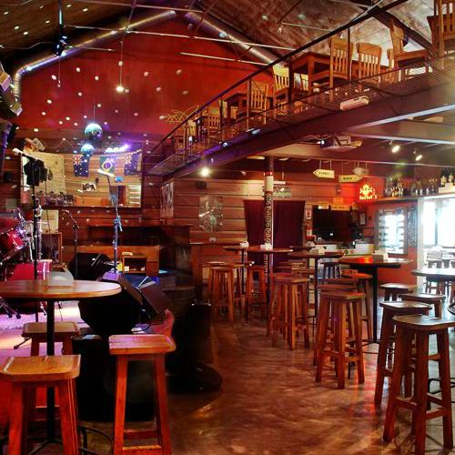 Foto diambil di Kia Ora Pub oleh Kia Ora Pub pada 3/28/2014