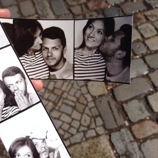 Das Foto wurde bei Photoautomat | Photo Booth von Nelly A. am 5/12/2014 aufgenommen