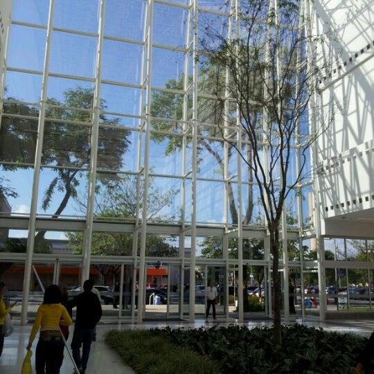 Das Foto wurde bei Grand Plaza Shopping von Ronny S. am 11/17/2012 aufgenommen