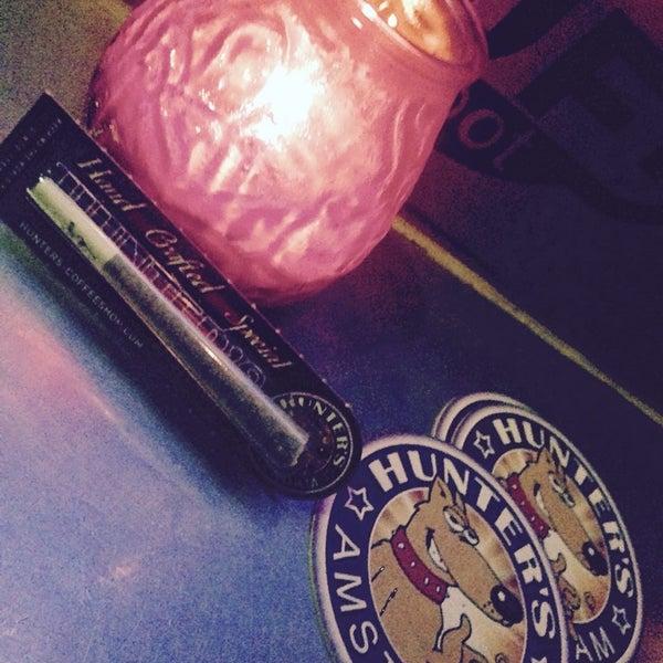 Foto tomada en Hunter's Coffeeshop por Patricia S. el 10/27/2014