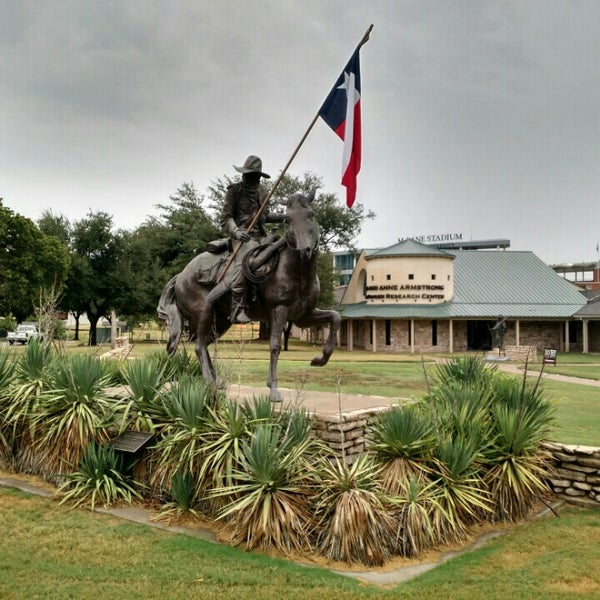 Foto scattata a Texas Ranger Hall of Fame and Museum da xelster il 9/9/2015