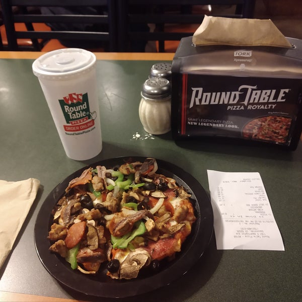 Where Is Round Table Pizza.Photos At Round Table Pizza Pizza Place In Escondido