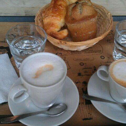 Foto diambil di Boulangerie Cocu oleh Belu P. pada 7/26/2013