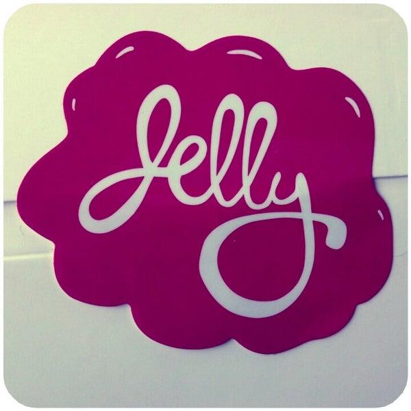 รูปภาพถ่ายที่ Jelly Cafe โดย Heather U. เมื่อ 9/27/2012