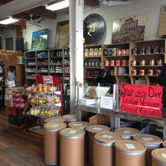 Снимок сделан в J.P. Graziano Grocery пользователем Brian R. 11/14/2012
