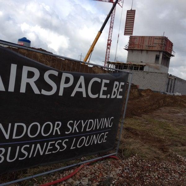 Das Foto wurde bei Airspace Indoor Skydiving von Gunther S. am 10/10/2013 aufgenommen
