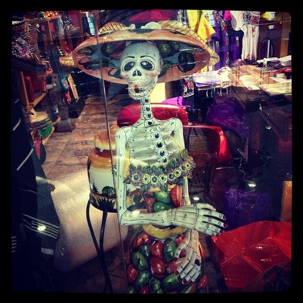 4/27/2013에 Artym B.님이 Mexican Club에서 찍은 사진