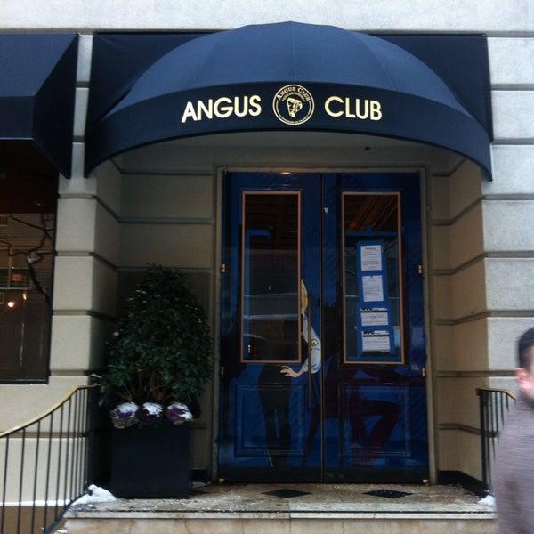 1/4/2014에 Labinot K.님이 Angus Club Steakhouse에서 찍은 사진