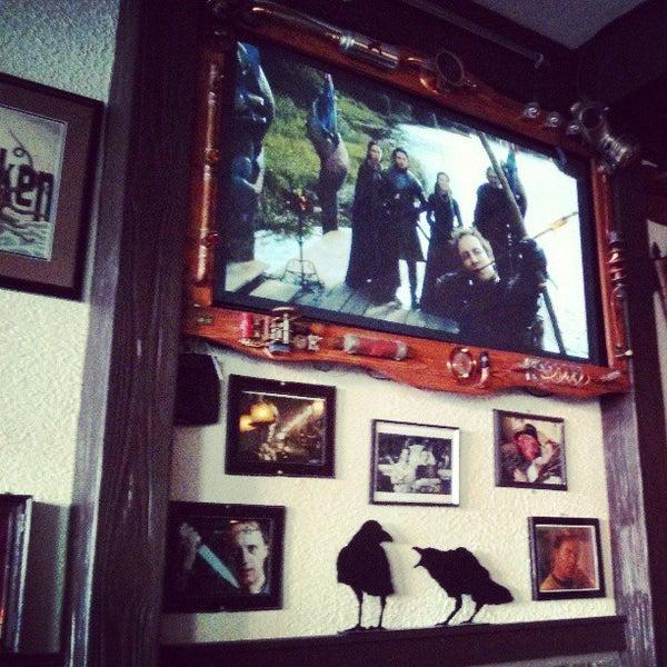 4/15/2013 tarihinde Stanley L.ziyaretçi tarafından Storm Crow Tavern'de çekilen fotoğraf