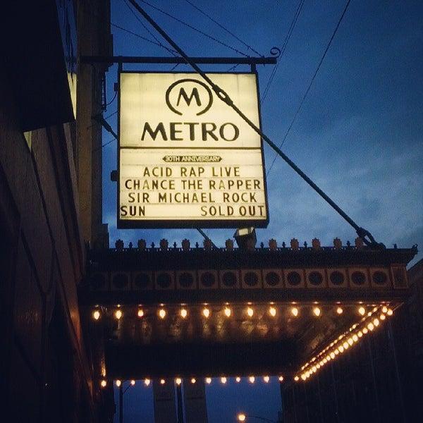 Foto diambil di Metro oleh Michelle K. pada 5/27/2013