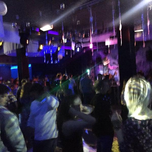 Ночном клубе слава в москве есть клуб армрестлинга