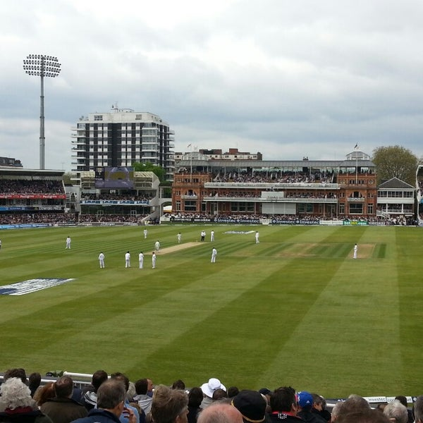 Foto tomada en Lord's Cricket Ground (MCC)  por Nick C. el 5/18/2013