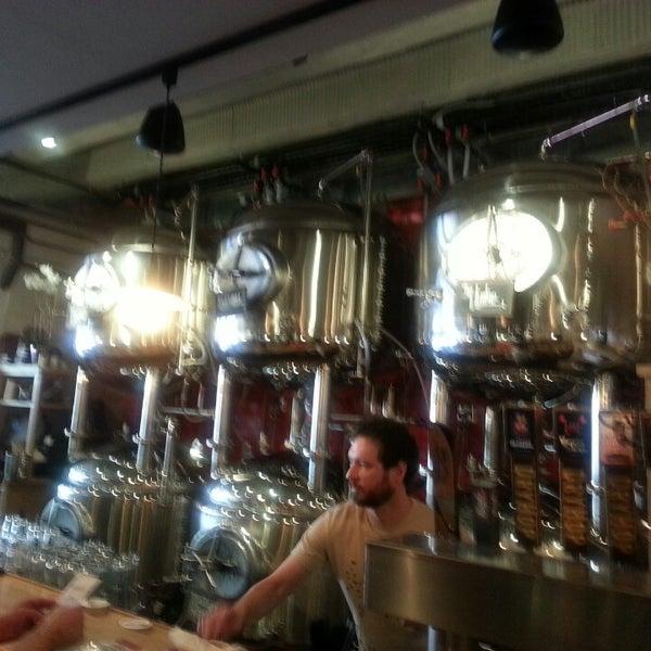 6/16/2013에 Jill K.님이 DryHop Brewers에서 찍은 사진