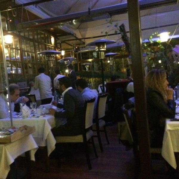 Foto tomada en Trilye Restaurant por Aykut G. el 4/28/2014
