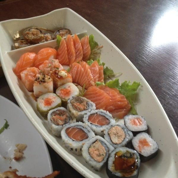 Foto tirada no(a) Kodai Sushi por Priscilla C. em 5/1/2013