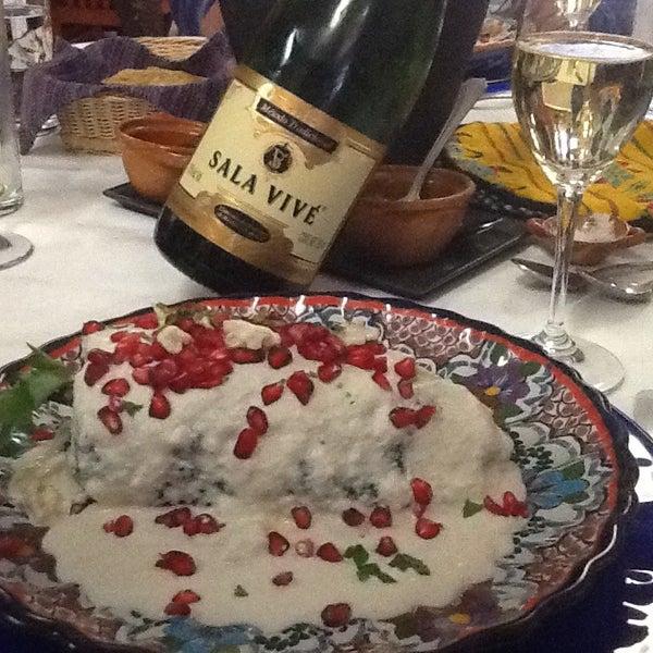 Das Foto wurde bei Restaurante Nicos von Martha R. am 8/31/2013 aufgenommen