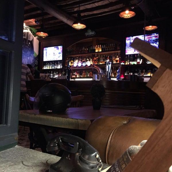 Foto diambil di Hops Irish Pub oleh Dicle Ç. pada 9/13/2019