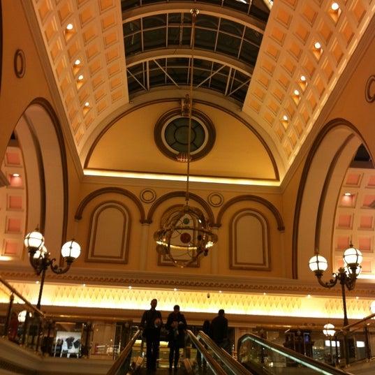 Foto tomada en Centro Comercial Gran Vía 2 por David R. el 2/15/2011