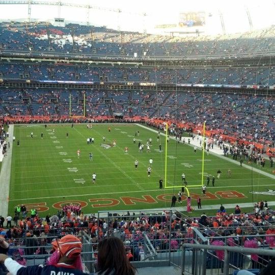 Foto diambil di Broncos Stadium at Mile High oleh Jeromey B. pada 10/28/2012