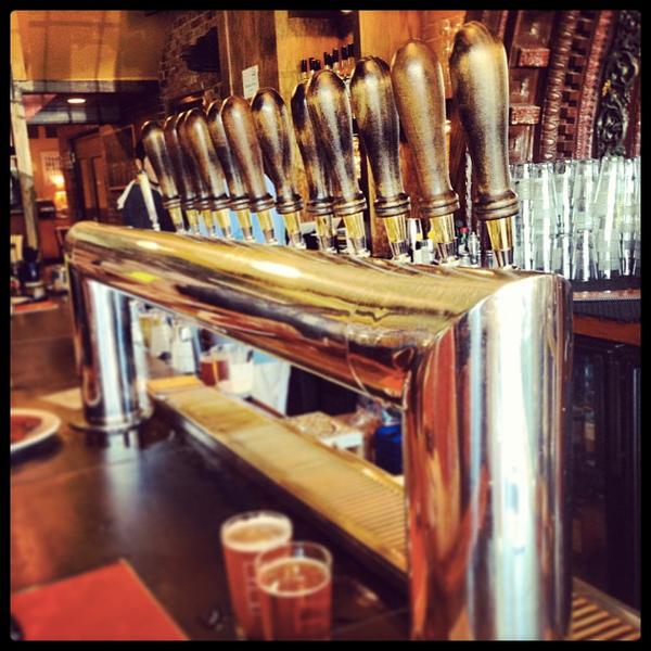 Das Foto wurde bei Square One Brewery & Distillery von Square One Brewery & Distillery am 3/27/2014 aufgenommen