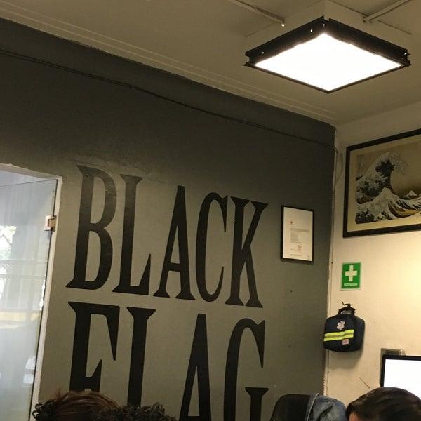 รูปภาพถ่ายที่ BlackFlag Crew โดย Oscar C. เมื่อ 3/24/2016