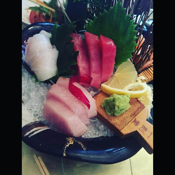 Photo prise au Sushi Zen par Candace G. le10/6/2015