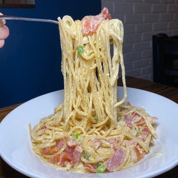 Das Foto wurde bei Lasagna Restaurant von Lori L. am 3/5/2020 aufgenommen