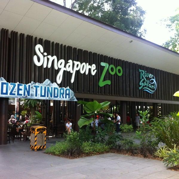 Foto tirada no(a) Singapore Zoo por Valerie L. em 7/6/2013